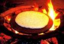 舌尖上的中国- 怒江石板荞麦粑粑蘸蜂蜜