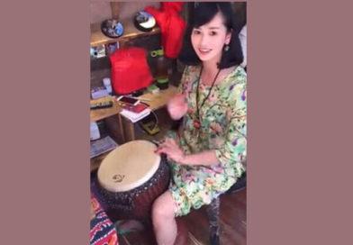 """视频:还记得这位""""歌和远方"""" 丽江手鼓美女夏微?"""